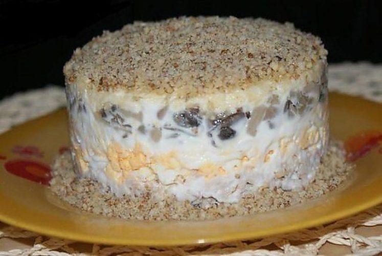 Салат с курицей и грибами грецким орехом рецепт с