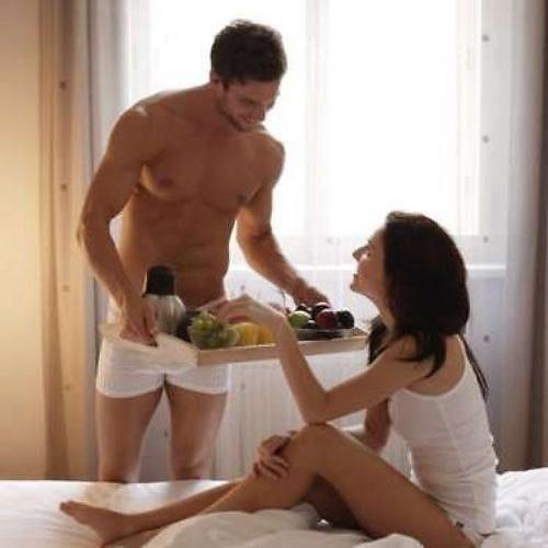 Жена принесла мужу сперму