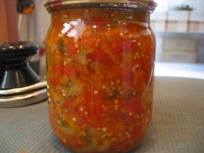 Салат на зиму из огурцов и перца с фото