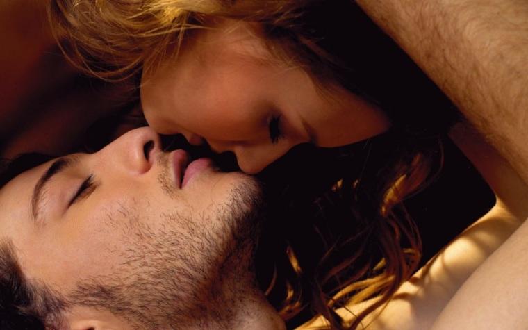 intimnie-potselui-video