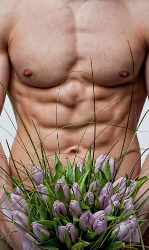 Фото голых мужчин с цветами