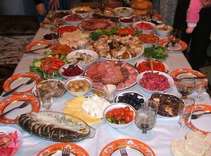 Что приготовить на праздничный обед для гостей